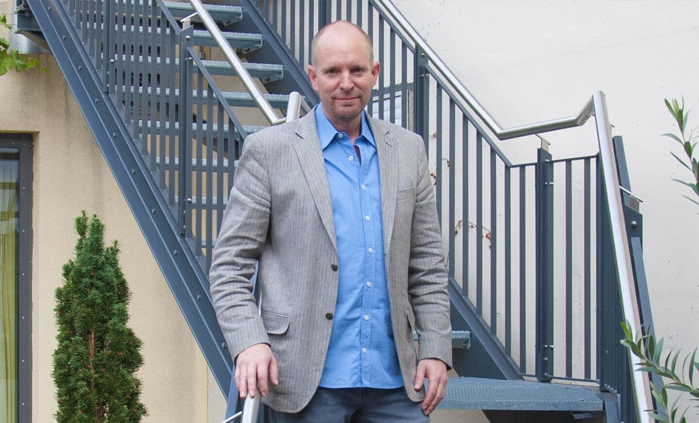 Divino-Armin-Friedel-Portrait-Kontakt